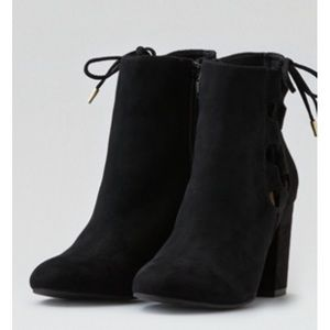 American Eagle lace up bootie